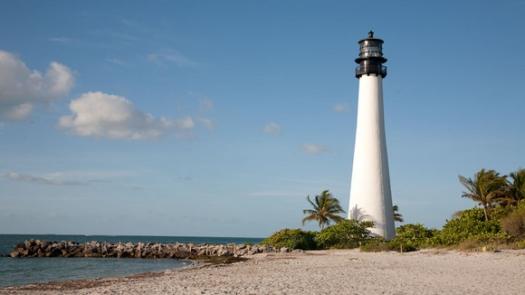 lighthouse_920_medium